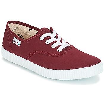 chaussure à lacet